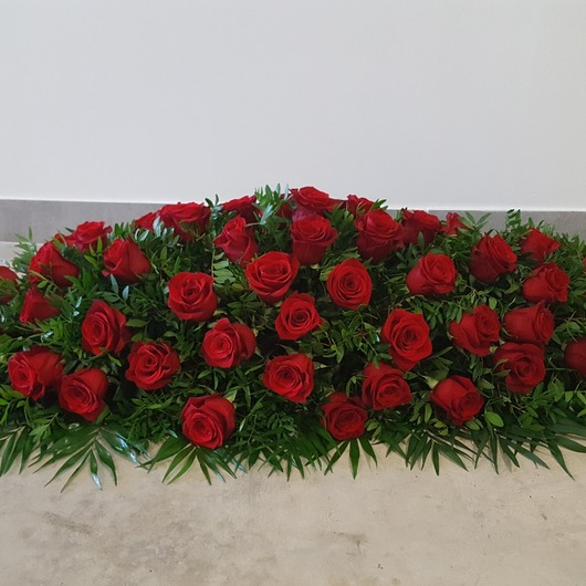 Grand bouquet de roses pour hommage